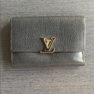 Black/Pink Louis Vuitton wallet
